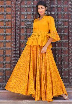 Lehenga Saree Design, Lehenga Designs, Kurta Designs, Blouse Designs, Indian Fashion Dresses, Indian Designer Outfits, Indian Outfits, Mehendi Outfits, Indian Gowns