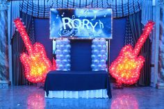 36 ideas for music theme party backdrop rock stars Music Themed Parties, Music Party, Bat Mitzvah Party, Bar Mitzvah, Party Music Playlist, Dance Themes, Rock Star Party, 70th Birthday Parties, Balloon Columns