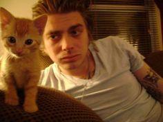 James Lynch, Dropkick Murphys (and kitten) Dropkick Murphys, Kitten, Entertaining, My Love, Music, Animals, Fan, People, Animales