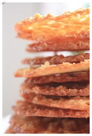 Suklaamarenki: Back to basics - Ihan parhaat kauralastut Back To Basics, Margarita, Sweet Recipes, Nom Nom, Bacon, Sweets, Dishes, Cookies, Vegetables