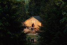 destination_wedding_photographer_artistic_emotional_documentary wedding_hadar chalet_barn wedding_romania_land of white deer (105)