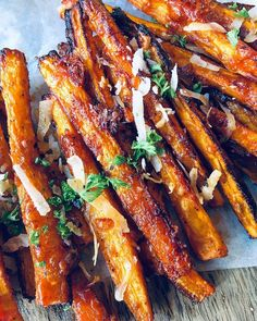 Oven-Baked Carrot Fries - The Spiced Chickpea I Love Food, Good Food, Yummy Food, Oven Dishes, Tasty Dishes, Tempeh, Almond Joy, Carrots In Oven, Carrot Fries