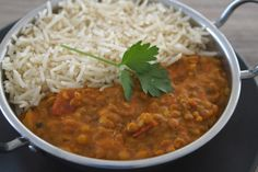 A delicious tomato and lentil curry recipe that is full of flavour, easy to make and is perfect for a comforting, everyday meal. Gluten Free Flour Mix, Gluten Free Cakes, Gluten Free Desserts, Gluten Free Recipes, Flour Recipes, Relish Recipes, Curry Recipes, Lemon Recipes, Oven Baked Bacon