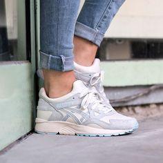 Sneakers femme - Asics Gel Lyte V Moonbeam (©asphaltgold_sneakerstore)