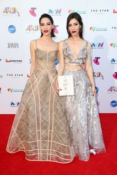 2015 ARIA Awards red carpet: The Veronicas both in J'aton
