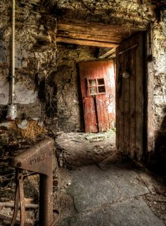 The Cave Propero and Miranda must live in. Old Abandoned Buildings, Abandoned Mansions, Old Buildings, Abandoned Places, Photo Post Mortem, Places Around The World, Around The Worlds, Haunted Places, Ghost Towns