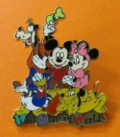 Walt Disney World Pin Resort - The Gang / Fab 5 Mickey Minnie Pluto Donald Goofy