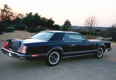 1979 lincoln mark v collector series - I need this in black with gold trim.