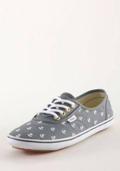 VANS Cedar Anchors Canvas grey-white, Fashion Sneaker, omg want. i have these ones but they have no laces omg Sneakers Mode, Sneakers Fashion, Cute Shoes, Me Too Shoes, Anchor Canvas, Anchor Print, Vans Online, Vanz, Dream Shoes