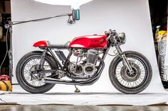 "Racing Cafè: Honda ""Red Pearl"" 550 by Kott Motorcycles"