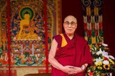 Om Mani Padme Hum [em tibetano sua pronúncia é Om Mani Peme Hung, mas sua origem é indiana] explicação