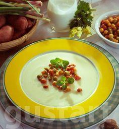 Lajos Mari konyhája - Burgonyakrémleves Hungarian Recipes, My Recipes, Pudding, Dishes, Desserts, Soups, Food, Desk, Lifestyle