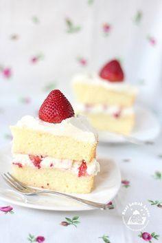Japanese Strawberry Shortcake 日式草莓蛋糕 (recipe in English) #food #recipe #cake #strawberry