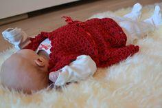 Satunnaisesti puikoilla: Joulunpunainen mekko vauvalle