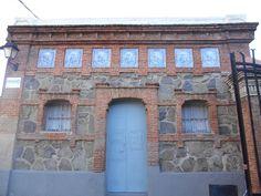 Madrid Moderno.  Caseta de la entrada de la Fundación Caldeiro.