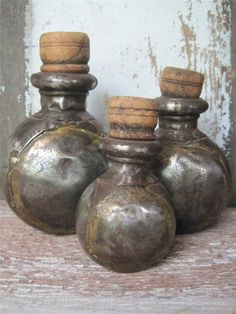 Antique DOVETAILED METAL SPICE BOTTLES MEDICINE Graduating Apothecary Primitive  sold   141.00