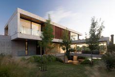 Castagnaro House by Estudio Ramos