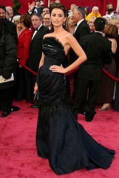 Penelope Cruz war als Unterstützung für Ehemann Javier Bardem und als Präsentatorin bei den 80. Oscars im Februar 2008. Aber natürlich war