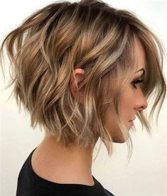 Heiße neue kurze Bob-Frisur-Ideen , Hot New Short Bob Hairstyle Ideas , curly bob hairstyles Source by Short Hair With Layers, Short Hair Cuts For Women, Short Hairstyles For Women, Angled Bob With Layers, Latest Short Haircuts, Angled Bob Haircuts, Haircut Short, Curly Haircuts, Haircut Styles