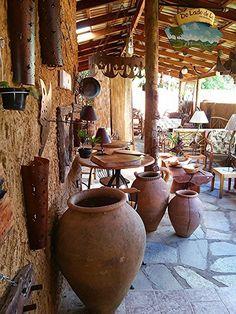 Antigos vasos nordestinos para armazenar água