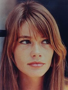 French Beauty: Miss Françoise Hardy My Hairstyle, Hairstyles With Bangs, Trendy Hairstyles, Françoise Hardy, Alexa Chung Makeup, Hair Inspo, Hair Inspiration, Charlotte Rampling, French Beauty