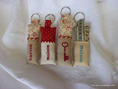 Toile de lin et petites croix: Un peu de couture, un peu de broderie
