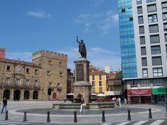 Gijón. Casco viejo, el barrio de Cimadevilla. Pulsa en la fotografía para ver #casas_en_Asturias.