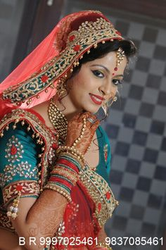 Beautiful Bride Indian Bridal Photos, Indian Wedding Poses, Indian Wedding Couple Photography, Pakistani Wedding Outfits, Indian Bridal Fashion, Bride Photography, Bridal Poses, Bridal Photoshoot, Wedding Girl
