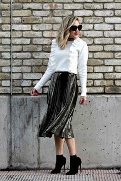 Short Skirt | Season Transition | Cute Skirt | Fashion Blogger | American in Spain | Spain Blogger | Styling Shorts | Summer Shorts | Cute Shorts | Midi Skirt | Long Skirt | Metallic Skirt | Pleated Skirt