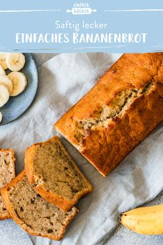 Einfaches Bananenbrot Banana bread just makes us happy! Healthy Dessert Recipes, Easy Desserts, Baking Recipes, Cake Recipes, Breakfast Recipes, Dessert Simple, Easy Banana Bread, Banana Bread Recipes, Breakfast Party