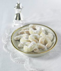 Vanilkové rohlíčky 2 and cup all purpose unbleached flour . over cup powdered sugar . 1 stick and 6 tbsp unsalted butter . 2 zloutky / Na obalovani cca 1 and cup vanilkoveho cukru Unbleached Flour, Czech Recipes, Almond Recipes, Powdered Sugar, Unsalted Butter, Christmas Baking, Christmas Cookies, Favorite Recipes, Treats