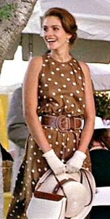 """Vivian ( Julia Roberts ) spends the day at a polo match in this amazing brown dress with white polka dots and matching hat """"Pretty Woman"""",. Julia Roberts, Pretty Woman Film, Jw Moda, Jennifer Grey, Robes D'occasion, Polo Match, Brown Dress, White Dress, Dot Dress"""