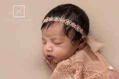 Your place to buy and sell all things handmade Floral Headbands, Newborn Headbands, Baby Girl Headbands, Newborn Baby Photos, Newborn Photo Props, Baby Girl Newborn, Flower Texture, Newborn Tieback, Photography Props