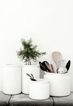 Kitchen ustensil jars | Daniella Witte, July 2014 [Original post in Swedish] | @juliaalena