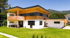 #modernfarmhouseexterior Modern Farmhouse Exterior, Farmhouse Interior, Living Haus, Farmhouse Remodel, Modern Architecture House, House Rooms, Detached House, Exterior Design, Building A House