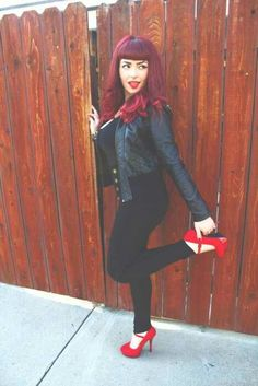 Love this pin up red hair!