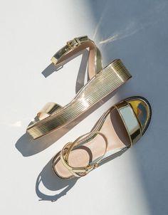 be91c050 Zapatos de mujer - Primavera Verano 2017 | Bershka Metalizados, Últimas  Tendencias En Moda,