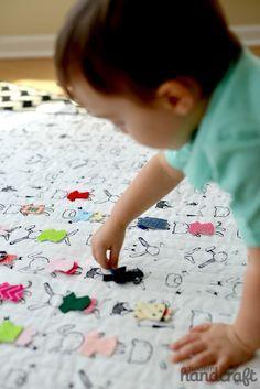 Baby Decke und Spiel in einem - anziehpuppe - Dress Me Up! Tutorial from Modern Handcraft | Dear Stella Design