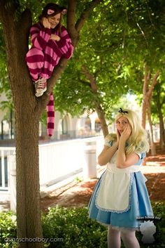 Alice in wonderland and sheshire cat cosplay