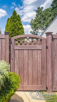 Great Backyard Fence Gate Idee von PVC Vinyl Privacy Fencing in Illusionen Walnuss Cheap Privacy Fence, Vinyl Privacy Fence, Privacy Fence Designs, Diy Fence, Fence Landscaping, Backyard Fences, Fence Ideas, Patio Privacy, Privacy Screens
