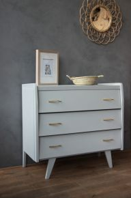 commode vintage on pinterest bureaus mid century and dressers. Black Bedroom Furniture Sets. Home Design Ideas