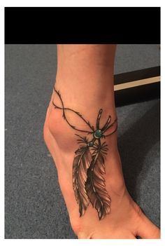 Ankle Foot Tattoo, Feather Tattoo Foot, Feather Tattoo Design, Ankle Tattoo Designs, Armband Tattoos, Anklet Tattoos, Tattoo Bracelet, Tatoos, Tattoo Pied