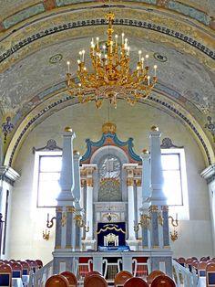 Obuda synagogue bima