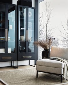Pin by Gypsylady on Inspired by Slettvoll in 2020 Classic Interior, Minimalist Interior, Luxury Floor Plans, Contemporary Style Homes, Glass Cabinet Doors, Up House, Modern Architecture House, Home And Deco, Living Room Interior