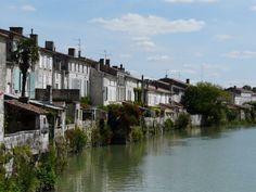Sur les bords de la Charente Saint, France, Travel, French