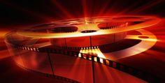 os formatos cinematográficos son los medios empleados por los cineastas para que la imagen y el sonido de las películas lleguen hasta las salas cinematográficas. Están comprendidos no sólo por las cámaras que se utilizan en los rodajes, sino por el conjunto de accesorios de las mismas, desde el celuloide empleado para registrar la imagen, pasando por la óptica (lentes y objetivos) e incluso los sistemas de proyección de los cines.