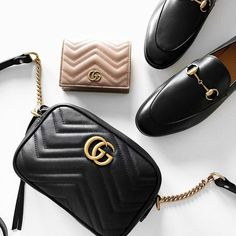 Women& Handbags & Bags: Gucci at Luxury & Vintage Madrid, the Best Online Selection of Luxury Clothing, P . Kate Spade Handbags, Gucci Handbags, Gucci Bags, Luxury Handbags, Purses And Handbags, Leather Handbags, Gucci Purses, Accessoires Gucci, Sacs Design