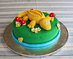 Sunshine x 3: Show & Tell: In a while...Yellow Crocodile... - Birthday cake