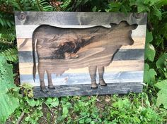 Rustic Cow Silhouette Wood Wall Art by Bayocean Rustic Design Cool Woodworking Projects, Diy Wood Projects, Wood Crafts, Diy Pallet Furniture, Pallet Art, Rustic Design, Wood Design, Cut Out Art, Cow Art