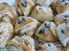 ‿✿⁀ CHUŤOVKY - SLANÉ TROJÚHELNÍČKY... OPRAVDU VÝBORNÉ Czech Recipes, Ethnic Recipes, My Favorite Food, Favorite Recipes, Sweet Cooking, Home Baking, Bread Rolls, Finger Foods, Appetizers